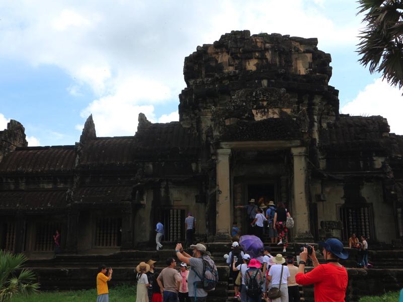 カンボジア2泊3日、プノンペンとアンコールワット両方の観光は可能?