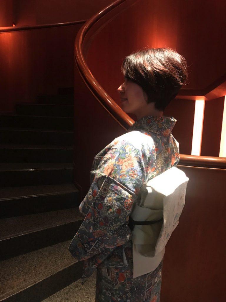 着物を着てパークハイアット東京で写真