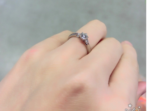 銀座ダイヤモンドシライシで購入した婚約指輪ブーケロココ